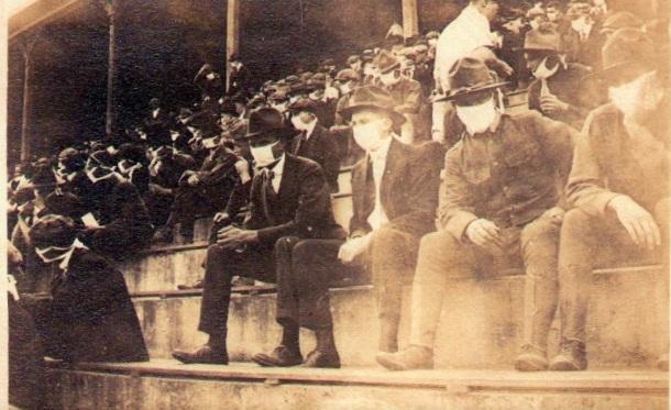१९१८ :  जॉर्जिया टेक फुटबॉल सामना
